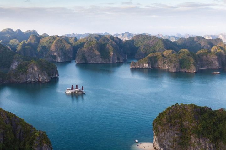 Ultimate Vietnam Adventure Tour
